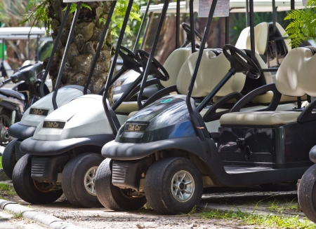 Carrito de golf o un autom?vil club de golf photo