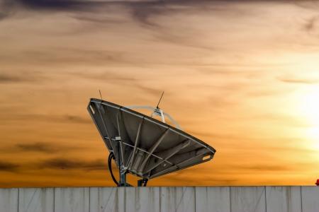 antena parabolica: antena parab�lica cerca chonburi tailandia