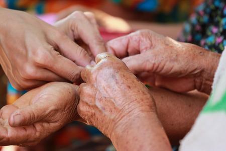 alzheimer s disease: Senior