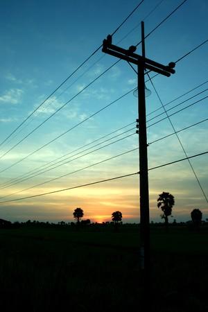 De avond vóór zons ondergang plattelands Thailand