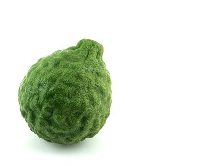 rutaceae: Ma-krut o cafre cal o cal o sanguijuela Mauricio Papeda o bergamota. (Citrus hystrix DC.) Rutaceae. Foto de archivo