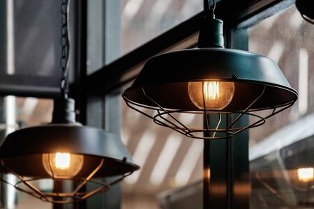 Vintage Retro-Stil Glühbirnen im Restaurant.