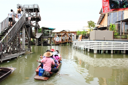 Floating boat with tourists in Thailand Stock Photo - 17111358