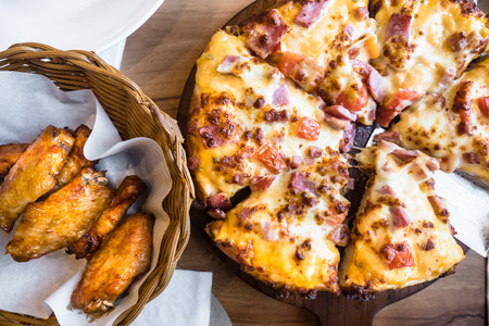 Hot Pizza ham and Chick wings BBQ.