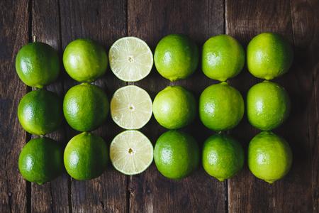 신선한 녹색 레몬