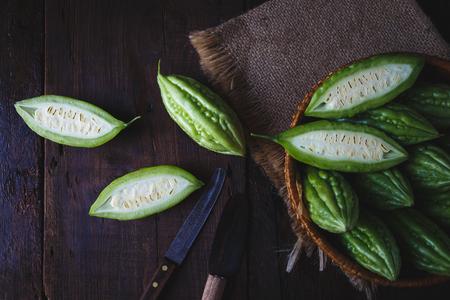 緑色の苦いメロン