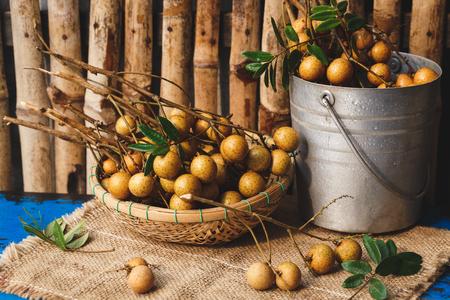 ベトナムから新鮮なリュウガン果実 写真素材 - 82486183