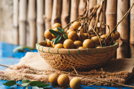 ベトナムから新鮮なリュウガン果実 写真素材 - 82486189