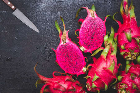Fresh red dragon fruit- Pitaya fruit 免版税图像 - 152243266