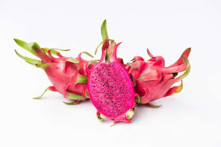 Fresh red dragon fruit- Pitaya fruit on the white background 免版税图像 - 152243935