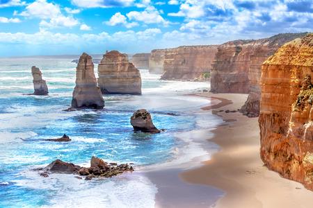 호주의 그레이트 오션로드 (Great Ocean Road)를 따라 십이 사도와 오렌지 절벽 스톡 콘텐츠