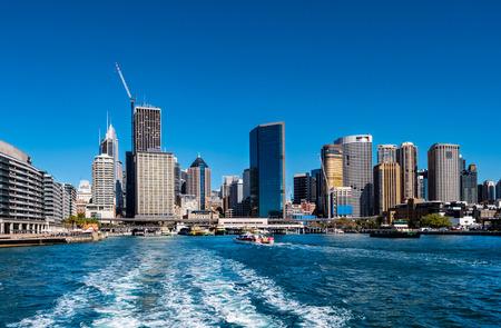 Sydney harbour as seen from Circular Quay 版權商用圖片 - 121292427
