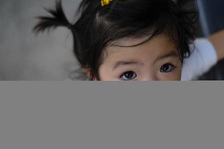 black eyes: ritratto di bambino occhi neri Archivio Fotografico