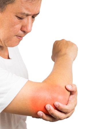 codo: Hombre maduro que sufren de dolor en el codo y dolorosa