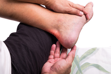 reducing uric acid in blood naturally sharp pain in big toe not gout ways to treat gout naturally