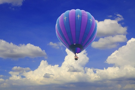 hot air balloon with beautiful blue sky Stock Photo - 11378881