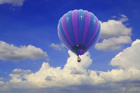 hot air balloon with beautiful blue sky Zdjęcie Seryjne