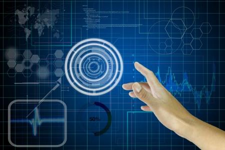 Hand of Business Mann arbeitet mit virtuellen digitalen Schnittstelle oder Umgebung Standard-Bild - 15761324