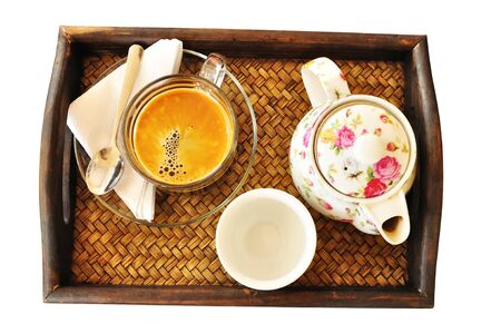tarde de cafe: Coffee and Tea set en el fondo blanco Foto de archivo