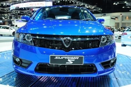 proton: BKK - NOV 28: The new Proton Suprima S, City car, on display at Thailand International Motor Expo 2013 on NOV 28, 2013 in Bangkok, Thailand.