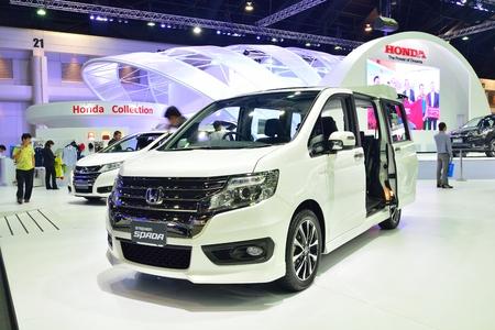 nonthaburi: NONTHABURI - DECEMBER 1: New Honda Stepwagon Spada car display at Thailand International Motor Expo on December 1, 2014 in Nonthaburi, Thailand.