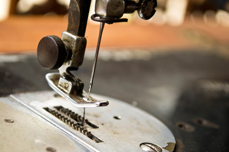 zigzagger: sewing process in the phase