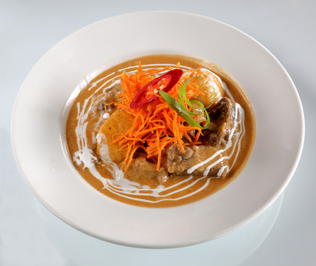 beef curry: massaman beef curry, thai food