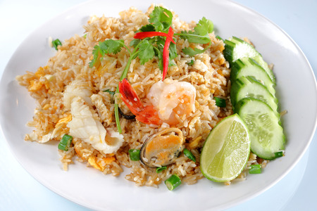mussle: seafood freid rice with cucumber, thai food