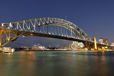sydney harbour bridge: Sydney Harbour Bridge and cityscape with twilight shot at look out point
