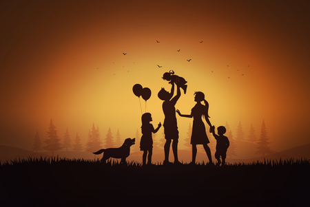 Feliz día de la familia, silueta de padre, madre e hijos jugando en el césped al atardecer.