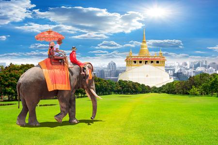 Elephant for Tourists on an ride tour of the Golden Mountain at Saket temple, travel landmark of bangkok Thailand  Standard-Bild