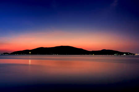 stratus: reflection, sea.