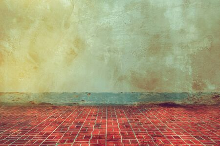grunge texture of old wall and dirty  floor tile background, aged room in old house Banco de Imagens - 132125565
