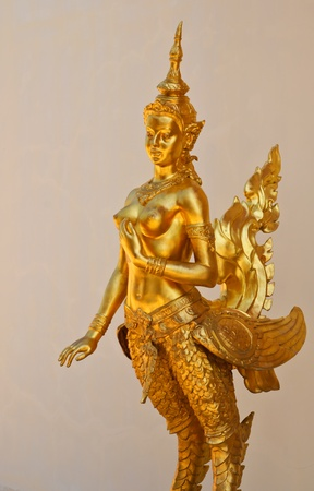 statue  gold