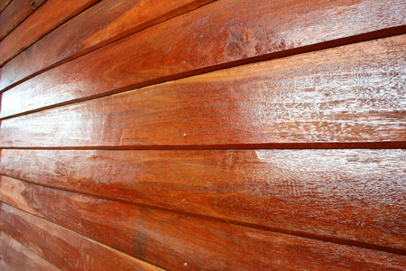 comely: Wall made of wood