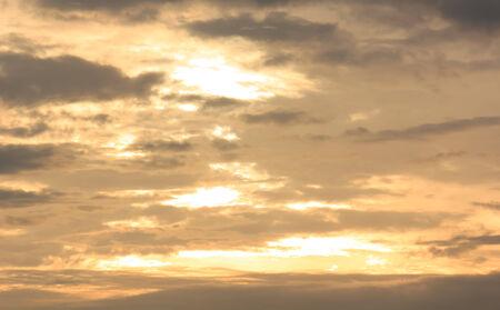 morning sky: Oro cielo del mattino