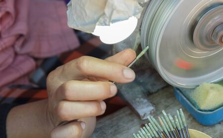 宝石の研磨