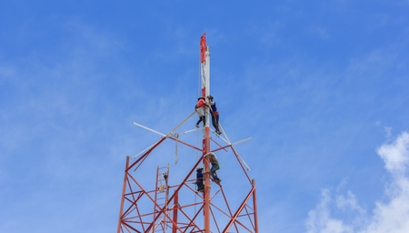 complaints: Technicians was dismantled tower the phone is due to complaints about the health of the people.Mahasarakham,Thailand,August 2016