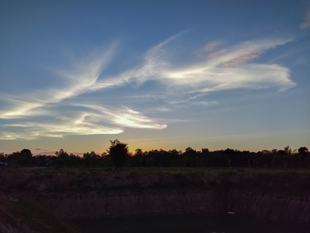 Evening sky on the pond Stok Fotoğraf - 119599949