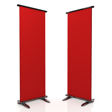 chrome base: 3d rosso e base cromata display di stand roll in sfondo isolato con percorsi di lavoro, i percorsi di clipping incluso