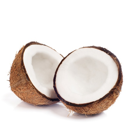 noix de coco: Noix de coco fra�che sur fond blanc isol� Banque d'images