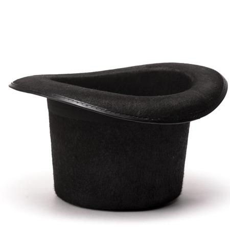 Zwarte omgekeerde hoge hoed op een witte achtergrond