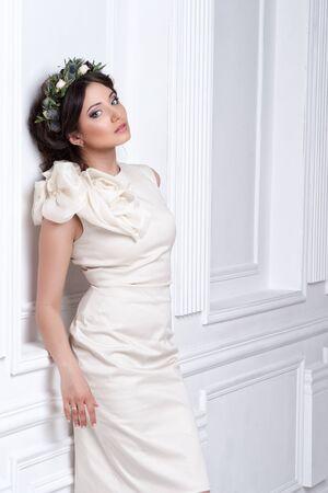 wedding dress: Portrait of beautiful bride. Wedding dress. Wedding decoration