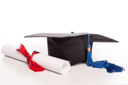 fondo de graduacion: casquillo de la graduación y diploma
