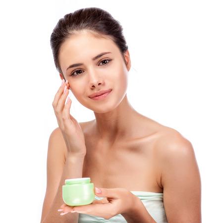 Schöne junge Frau berührt ihr Face.Fresh Healthy Skin.Isolated auf Weiß Standard-Bild - 48145186