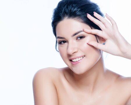 alergenos: Beautiful woman face portrait cosmetic healthy concept. Foto de archivo