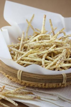 taro: Taro chips