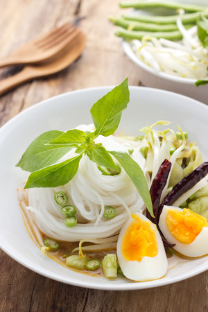 vermicelli: Knomjean, Thai rice vermicelli served with curry