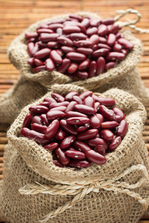frijoles rojos: Saco de granos rojos