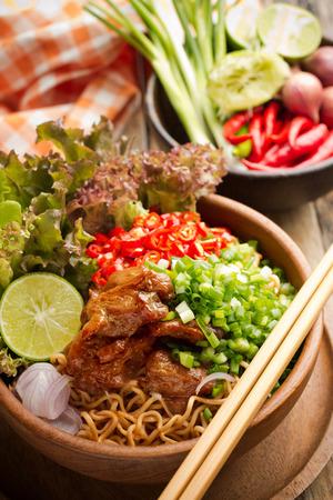 instant noodles: Instant noodles and vegetables